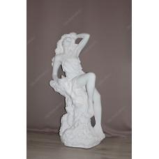 Статуя девушка на камне. Полистоун. Белый цвет.