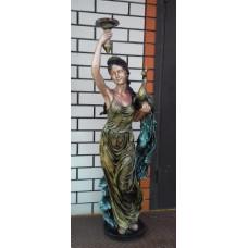 """Статуя """"Девушка с павлином"""""""