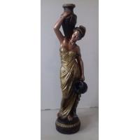 Статуя девушка с кувшином. 007